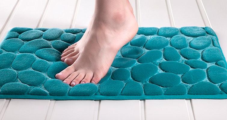 Aprenda dicas para escolher o tapete ideal para seu banheiro!