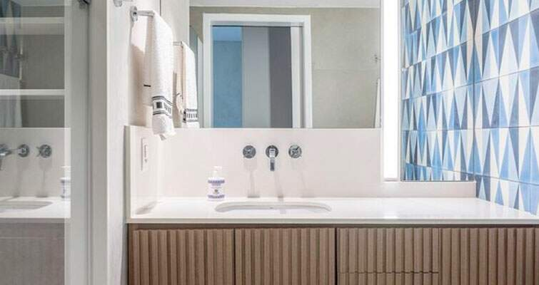 Veja o que levar em consideração ao reformar o banheiro