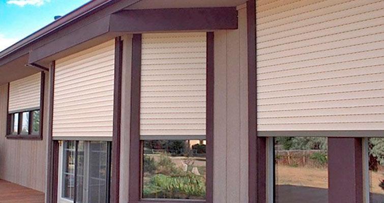 Aprenda um pouco mais sobre o uso de persianas externas