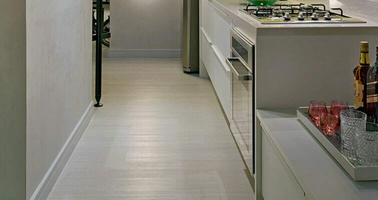 Conheça o piso vinílico que parece madeira!